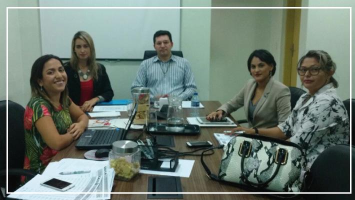 SINFARCE reuni-se com representantes das Farm�cias Lopes e Freitas e Farm�cia do Povo Brasileiro